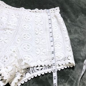 Lush Shorts - 😍 Lush White Lace Shorts!